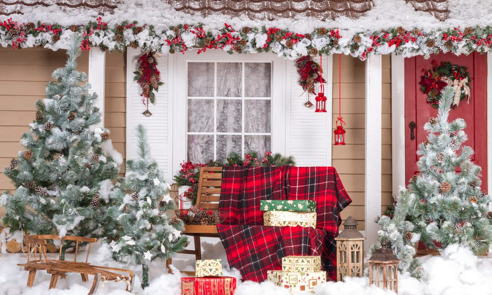 33 Christmas Garden Decorations Ideas