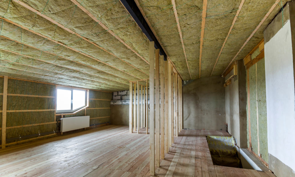 Insulate the garden shed roof
