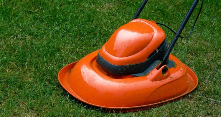7 Best Hover Mowers of 2021 (UK) – Electric & Petrol Hover Lawn Mower Reviews